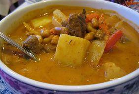 Massaman curry - вкуснейшее тайское блюдо, похожее на рагу.