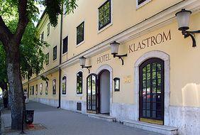 Castle Hotel Klastrom