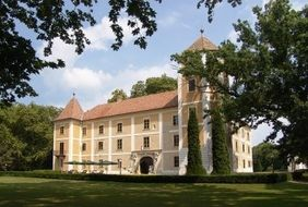 Hotel Hedervary Castle