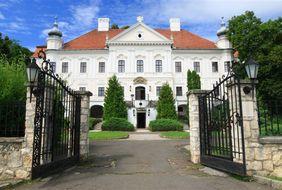 Hotel Castle Szirak